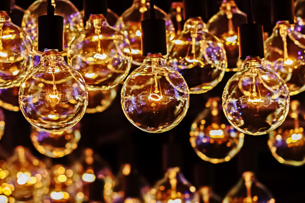 Retro Lighting Bulb Decor, Close up